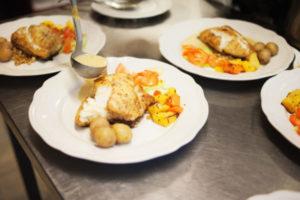 MG_3869-Food-plates-prep.-e1554918515291